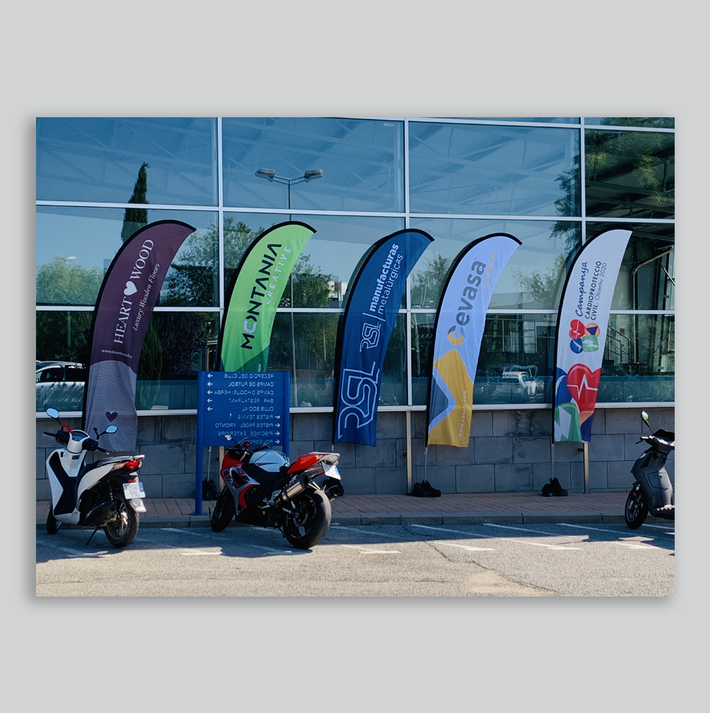 BANDEROLAS | Merchandising – Publicidad – Patrocinio – Diseño – Branding